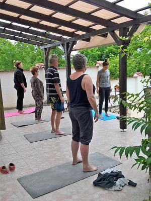 Schilderen Yoga bij Artventures door teacher Penelopy
